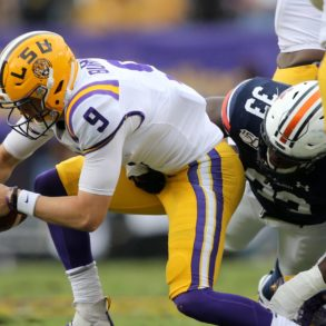 Joe Burrow Sack LSU vs Auburn 2019