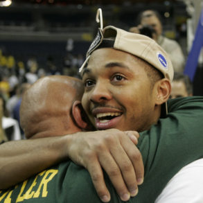 Lamar Butler Celebration George Mason Patriots UConn Elite 8 2006