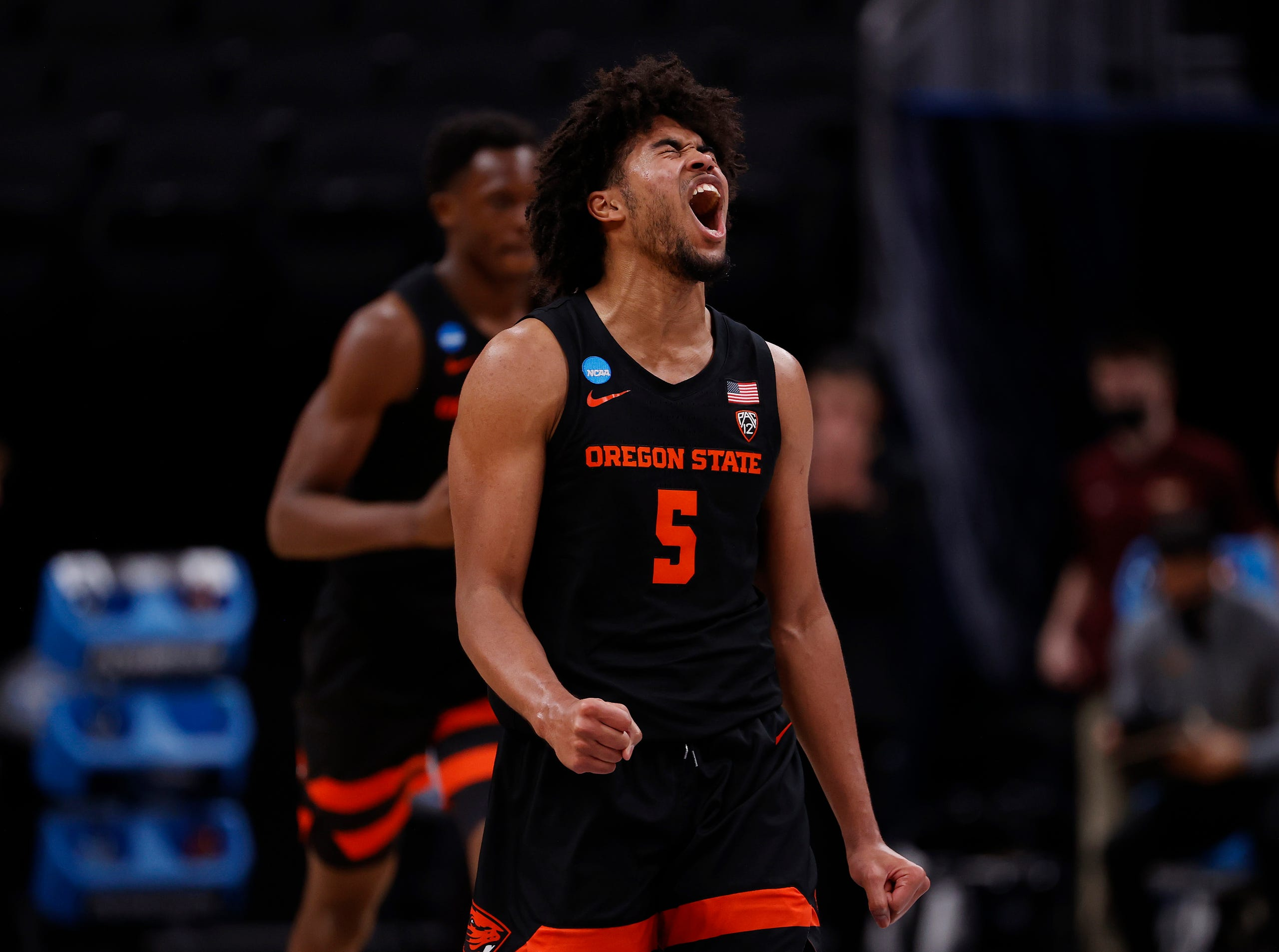 Ethan Thompson Oregon State Beavers vs Loyola-Chicago Sweet 16 March Madness 2021